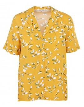Camisa estampada con cuello sastre en amarillo